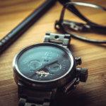 時計、メガネ、ペン